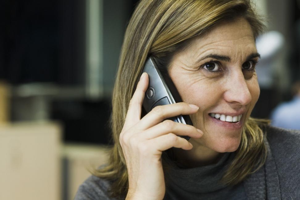 De som skjønner at det er lurt å gå rett på og ta en kald telefon til bedriftene, er de som først kommer ut i jobb. Foto: Colourbox
