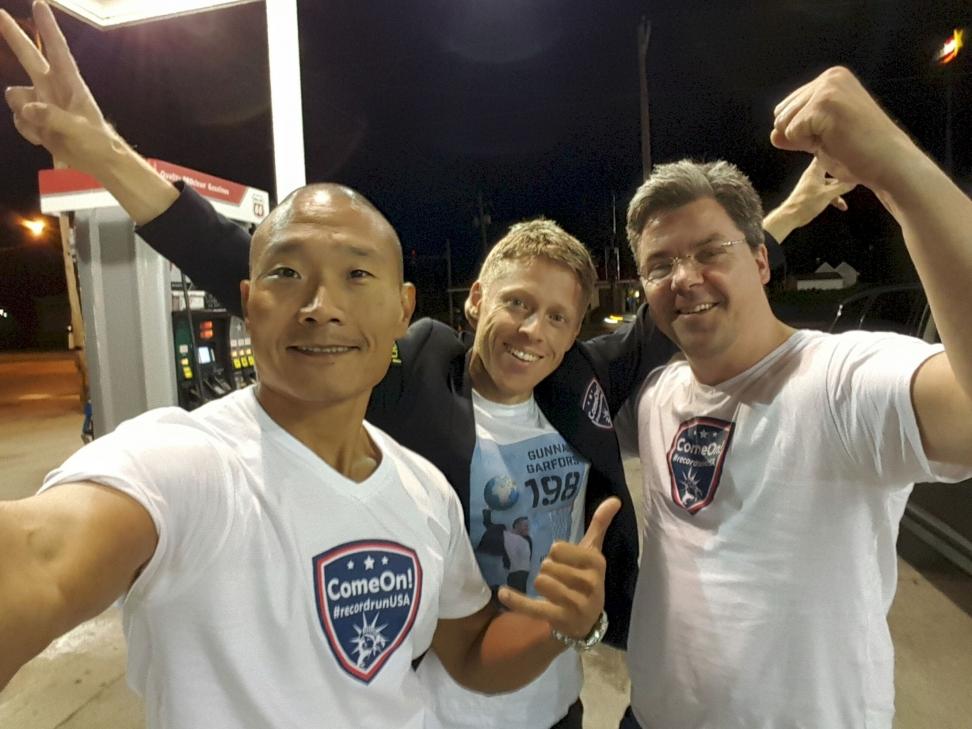 De tre norske herrenes ferd gjennom 22 amerikanske delstater på et døgn endte i Illinois mandag. Foto: Comeon.com