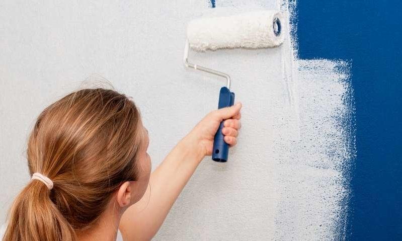 Å male veggene er en billig og enkel form for oppussing som raskt vil kunne gi verdiøkning. Foto: Colourbox