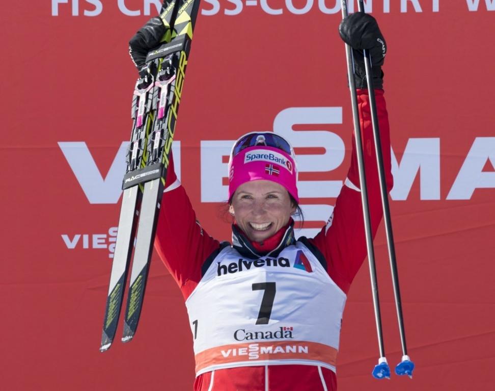 Marit Bjørgen etter lørdagens seier i Canada. Søndag fulgte hun opp med ny seier. Foto: Jacques Boissinot/ AP / NTB scanpix Foto: Jacques Boissinot / AP