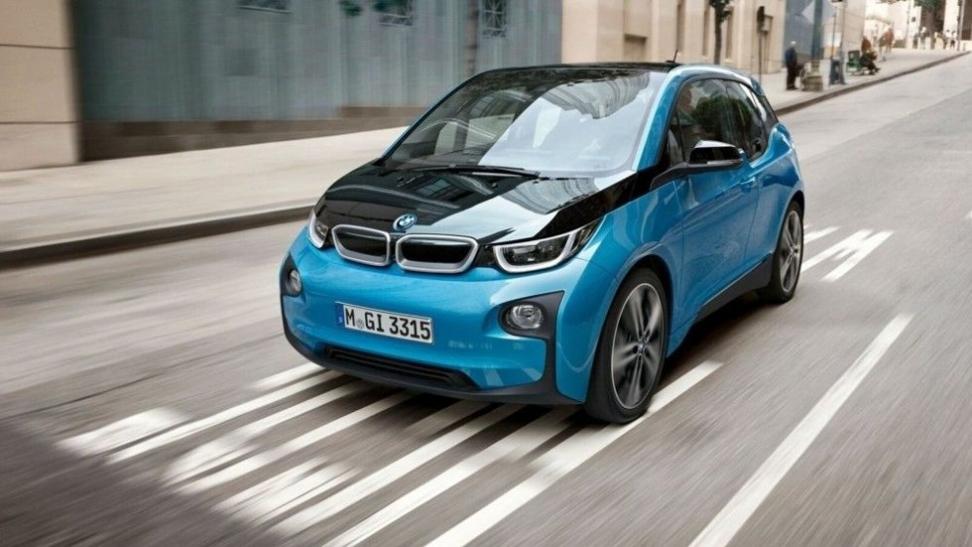 Fire av ti mener at de lydsvake elbilene er trafikkfarlige, ifølge undersøkelse. Illustrasjonsfoto: BMW