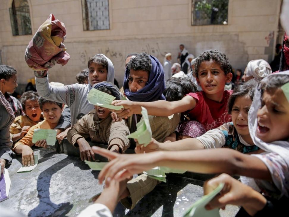 Et barn dør nå hvert tiende minutt i Jemen, der 19 millioner mennesker trenger nødhjelp utenfra for å overleve, advarer CARE. Foto: AP / NTB scanpix Foto: NTB scanpix